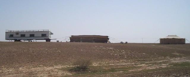 بيوت الشعر او الخيم عند bedu010.jpg