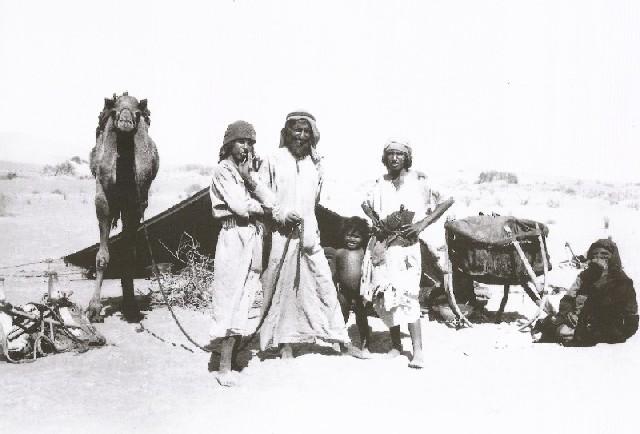 بيوت الشعر او الخيم عند bedu02.jpg