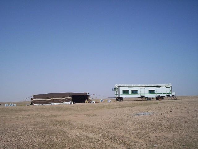 بيوت الشعر او الخيم عند bedu09.jpg